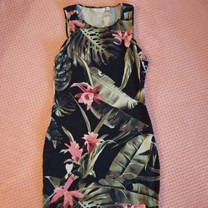 Small Reitmans Tropical Patterned Dress